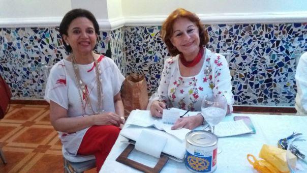 Enma Valois y Ma Cristina Mere Farías con sus Alcancías de la Fundación Rotaria