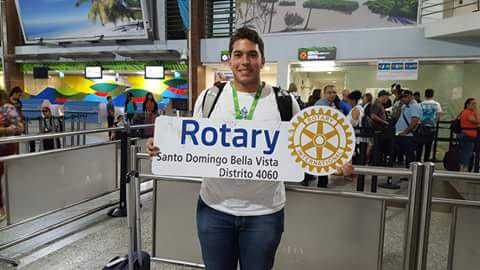 Rotary Club de Clayton en Carolina del Norte recibe estudiante del Bella Vista