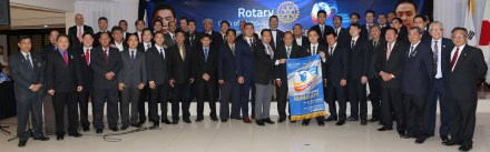 Members of the Rotary Club of Metro Iloilo.