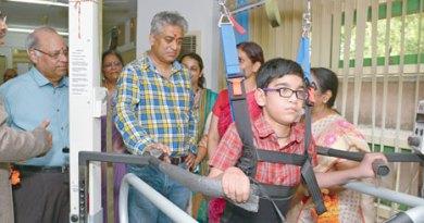 PDG Anil Agarwal, Rtn Suresh Poddar and television anchor Rajdeep Sardesai at Saksham.