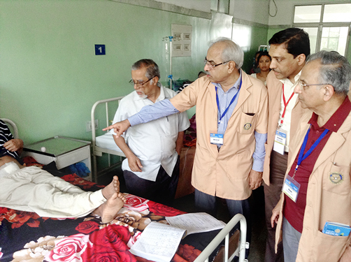 From right: PRIP Rajendra K Saboo, DG Chandu Agarwal and DGE Dr R Bharat reviewing a patient.