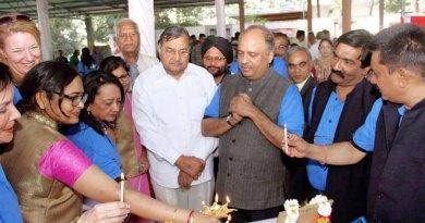 From right : PDG Nitin Dafria, DG Sanjeev Gupta and PRID Shekhar Mehta at the inauguration of the medical camp.