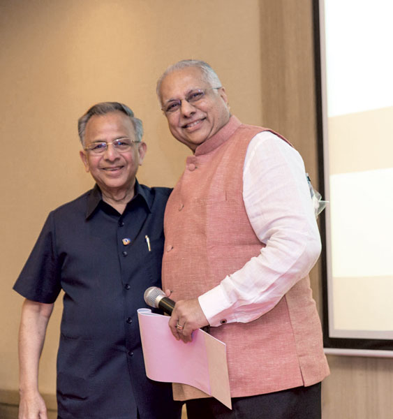 RI Director Manoj Desai with PRIP Rajendra K Saboo.