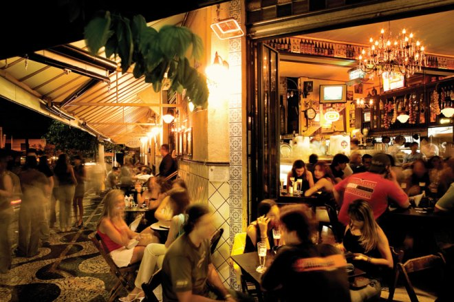 Nightlife spills out onto the streets of São Paulo, whose restaurants, bars, and cafes kick things up a notch after dark.