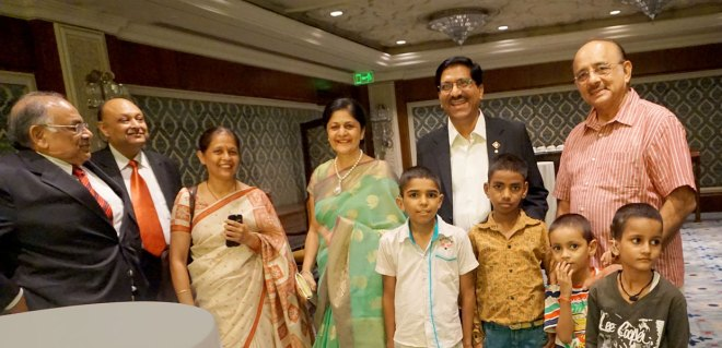 From left: Past President of RC Delhi Riverside Satish Gupta, President G P Agarwal, Principal of RISC Kavitha Tripathi, Ruchika Jain, DG Sharat Jain and Dr Hans with the children.