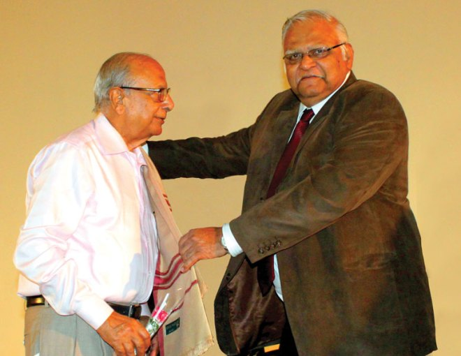 Leading industrialist Mr Krishnakumar B. ­Jindal was honoured as Arch Klumph Fellow for his contribution of USD 250,000 to TRF. He was felicitated by DG Vivek Aranha and inducted as an honorary member of RC Poona, RI District 3131.