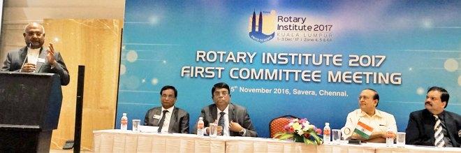 RIDE C Basker addressing the Institute Committee. Also on the dais (from left) PDG L Narayanaswamy, PDG R Theenachandran, PRID P T Prabhakar and PDG Deepak Shikarpur.