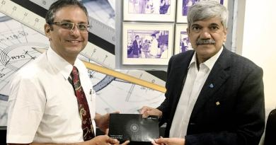 Jet Airways Area Manager Yezdi Marker (left) and RGR Ambassador Vinay Kulkarni after signing the MoU.
