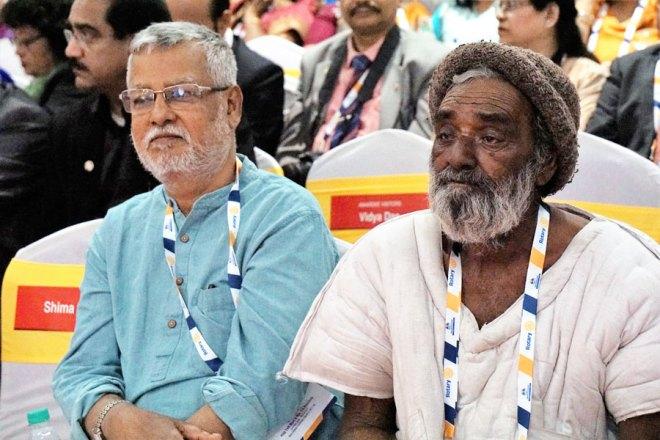 Literacy Heroes Achyuta Das (left) and Khimjibhai Karsenbhai Prajapati.
