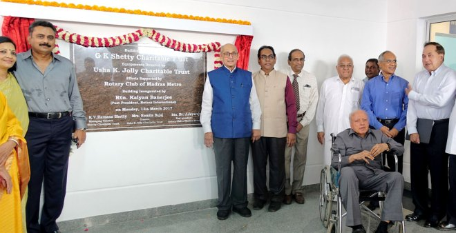 From left: Rtn KV Ramana Shetty, TRF Trustee Chair Kalyan Banerjee, Rtn Dilip Bajaj, VHS Secretary Dr S Suresh, industrialist A C Muthaiah, Cognizant Vice Chair N Lakshmi Narayanan, Former Editor-in-Chief of The Hindu N Ram and VHS President Dr M S Swaminathan.