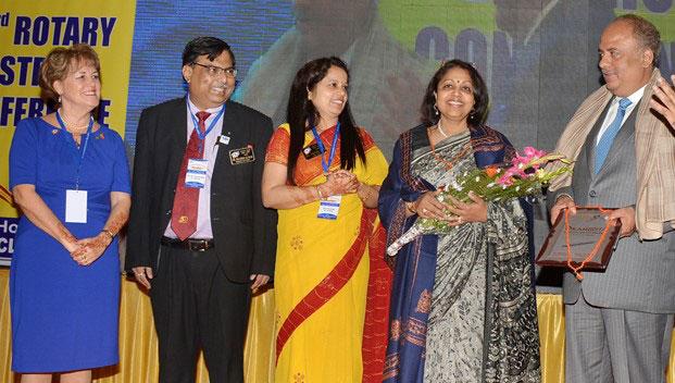 PRID Shekhar Mehta and Rashi being honoured by DG Pramod Kumar and spouse Premlata Yadav in the presence of RIPR Pamela Akins.