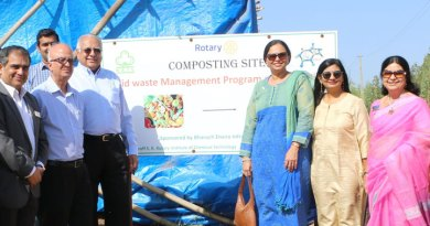 RID Manoj Desai and Sharmishtha inaugurate a composting site at Jitali village in the presence of (from L) Club President Sunil Vyas, EMGA Ashok Panjwani, DGE Pinky Patel and Meera Panjwani.