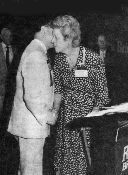 PRIP M A T Caparas thanks Shirley Whitcroft following her dramatic announcement of $250,000 contribution to the PolioPlus campaign at the RI Pacific Southwest Regional Conference in 1986.