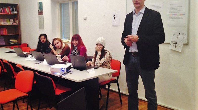Belgrade Rotarian Nenad Sakovik personally trained some of the teens in the use of computers.