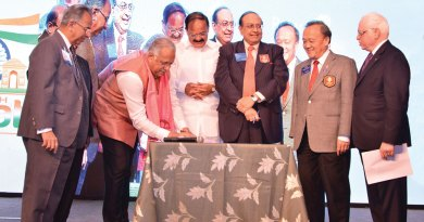 RIDE Manoj Desai and RID P T Prabhakar sign the Chennai Declaration. Also seen in the picture are (L to R): PRIP Rajendra Saboo,  Union Minister Venkaiah Naidu, RIP Gary Huang and TRF Trustee Sushil Gupta.