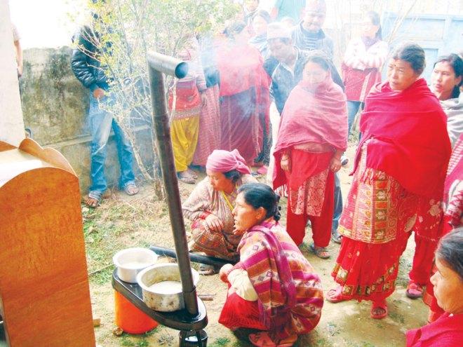Demonstration by volunteers.
