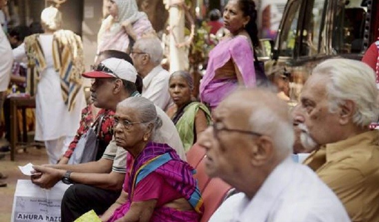 The elderly line up outside a bank in Mumbai in the wake of demonetisation. Photo: PTI