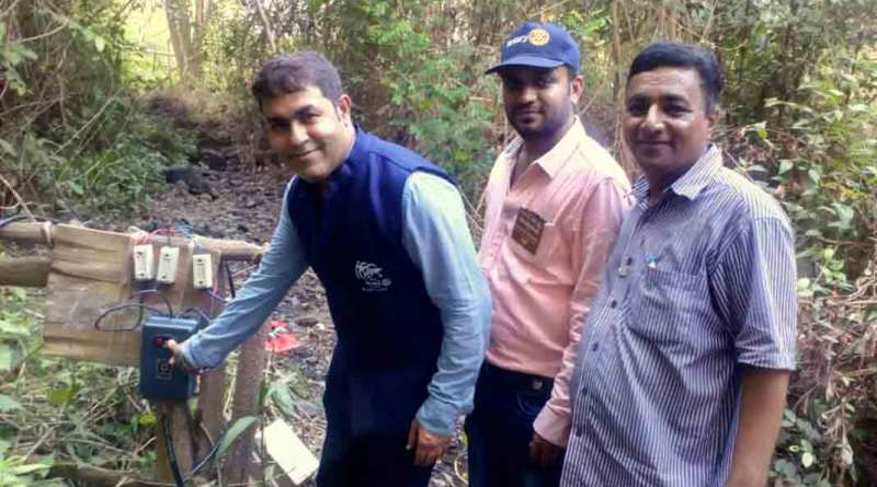 RC Ulhasnagar Sapna Garden President Manish Mulchandani  inaugurates the drinking water project at Kishor village.