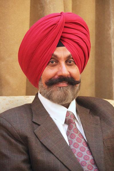 Parvinder Jit Singh Automobile financing, RC Jalandhar Central, D 3070