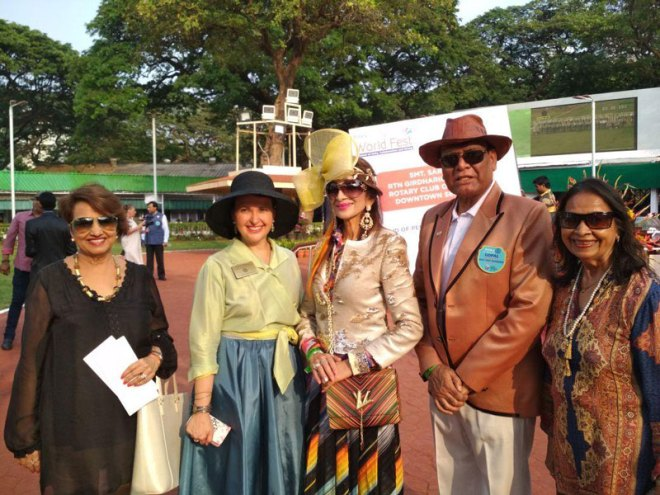 IPDGs Christine Buering, D 1950 (second from left) and Gopal Mandhania (D 3141) at District 3141's Rotary World Fest. In the centre is R/Ann Malti Jain (Rotary Club of Bombay).