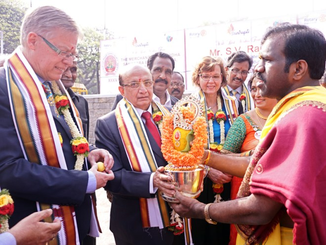 RID Mikael Ahlberg, PRID Ashok Mahajan and Charlotte Ahlberg being given a traditional welcome. DG K Madhuprasad, DGND Chinappa Reddy are also present.