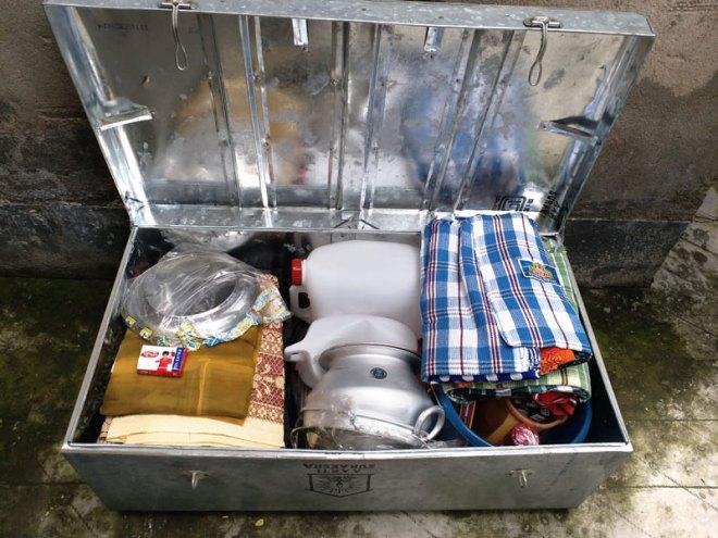 Items inside a shelter kit.