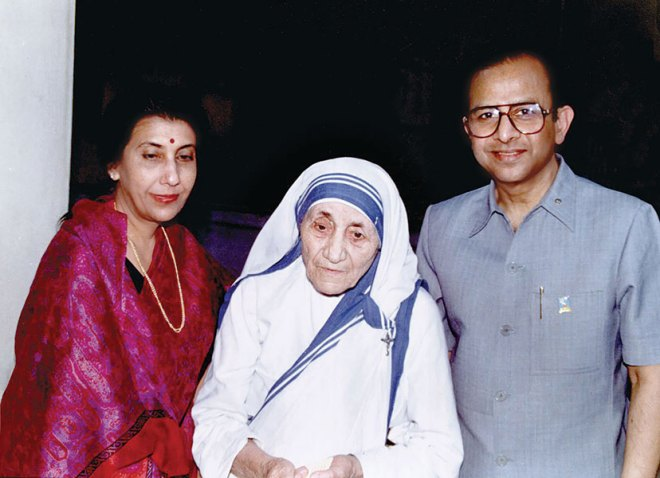 In 1981 the Saboos met Mother Teresa whom PRIP Saboo persuaded to speak at that year's Rotary International Convention.