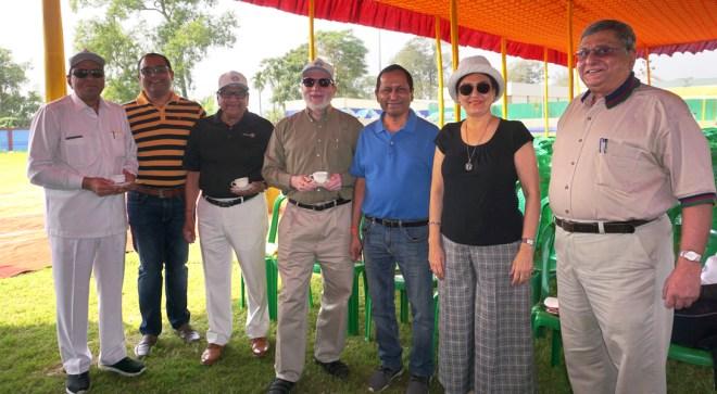 (From L) S K Sharma, Subhajit Guha Mazumdar, IPDG Brojo Gopal Kundu, Samiran Sen, Raj Kumar Agarwal, RC Calcutta President Heena Gorsia and Amit Ghosh.