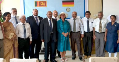 Rtn Pubudu de Soyza, RC Colombo President Kumudu Warnakulasooriya, PDG Senake Amerasinghe, Rtn Mohemdally and PDG ­Kerstin Thowart from Germany with health ministry officials at the hospital.