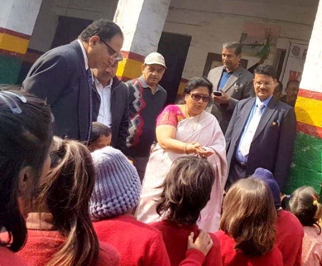 DG Stuti Agrawal interacting with students of the Rotary Primary School.
