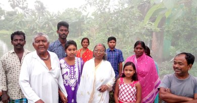 Narayan Naskar (second from L) and his wife Manati with family.