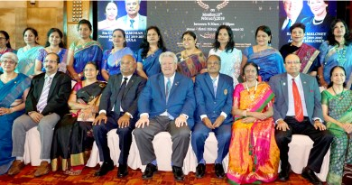 RIPE Mark Maloney, RID C Basker, Mala, DGE G Chandramohan, Manjula, PRID P T Prabhakar and Nalini with incoming women presidents of D 3232 at the PETS/SETS meet in Chennai.