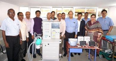 PRID P T Prabhakar at the unveiling of neonatal diagnostic gadgets at the VHS Hospital along with (from left) RC Madras Metro Treasurer R Radhakrishnan; Project Coordinator S P M Shivakumar; PDG P T Ramkumar; Vinod Sarogi; Club President Sunder Natarajan; PP T Ravichandran; VHS Secretary Dr S Suresh; Dilip Bajaj; DG Babu Peram; Ramana Shetty; Roma Bajaj; and DRFC Suchitra Sagar.