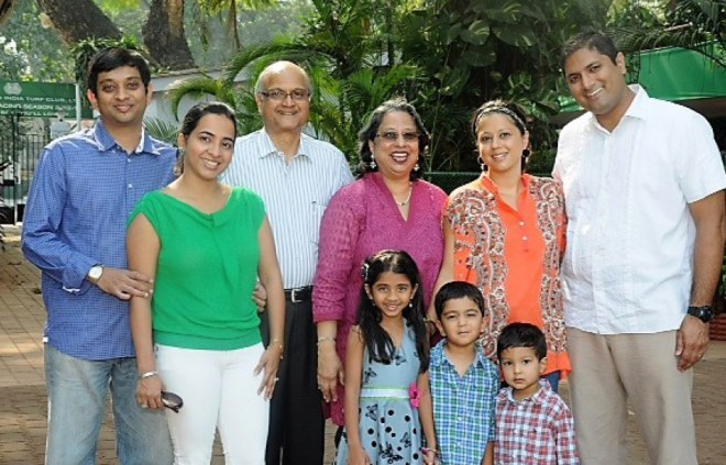 From L: Zameer (son), Khatija (daughter-in-law), Gulam Vahanvaty, Haseena, Zahabia (daughter); Satpal Brainch (son-in-law). Front row: Sumehra Vahanvaty; Rishaan and Jaiyaan Brainch.