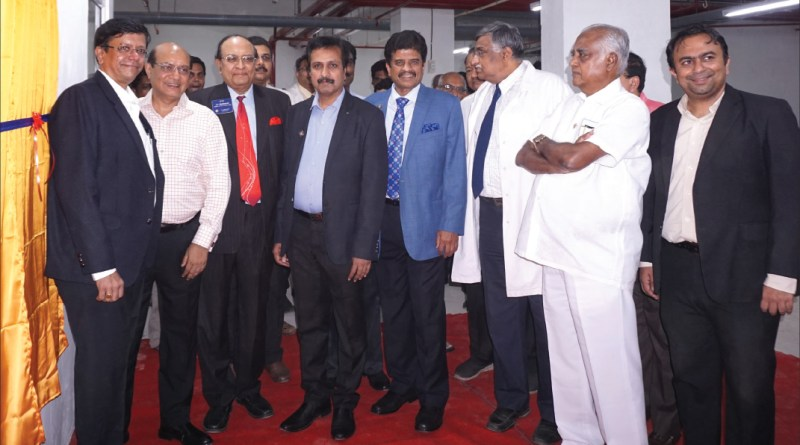 RID Kamal Sanghvi (second from L) inaugurates the bone bank in the presence of IPP R Saranyan, PRID P T Prabhakar, IPDG Babu Peram, Vinod Saraogi, Orthopaedic Oncologist Dr K Chandrakumar, PDG Abirami Ramanathan and Dr Manoj Rajan.