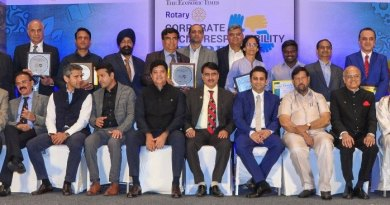 TRF Trustee Gulam Vahanvaty (seated third from R) and IPDG Shailesh Palekar (seated, centre)  with representatives of corporate houses and award winners.