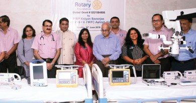 PRIP Kalyan Banerjee hands over the healthcare equipment to the Haria Rotary Hospital in the presence of DRFC Ashish Ajmera, IPDG Pinky Patel and RC Vapi President (2018–19) Ketan Patel.