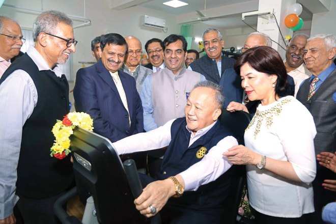 I n Bengaluru, Trustee Chair Gary Huang inaugurated a Rotary Cardi-ac Rehabilitation Centre at the Sri Jayadeva Institute of Cardiovascu-lar Sciences and Research (SJICSR) in the presence of Trustee Gu-lam Vahanvaty, RI District 3190 DG Sameer Hariani, Director of SJICR Dr Manjunath, RC Bangalore Indiranagar President Manoj Agarwal and other club members. DG Hariani said this state-of-the-art centre was done as a joint pro-ject by RC Bangalore Indiranagar and SJICSR. The building is put up by the SJICSR, which is a State government institution, and the en-tire equipment is provided by the club through a $224,807 global grant, in collaboration with RC Santo Andre, RID 4420. This centre will provide lifestyle change-counselling and training, diet consultation, evaluation of the entire cardiovascular system though ECG/ECHO/TMT; physiotherapy units, respiratory therapy and training in yoga. The equipment that this Rotary project has put up in this 700-bed famous cardiac hospital includes high-end ECHO Cardiography machines, treadmills, latest physiotherapy and other equipment. Trustee Chair Gary complimented the club members for their me-ticulous execution of this project.