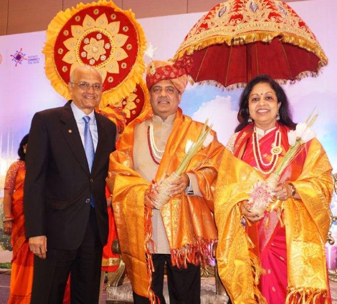 RIPN Mehta and Rashi with TRF Trustee Gulam Vahanvaty in Kolkata.