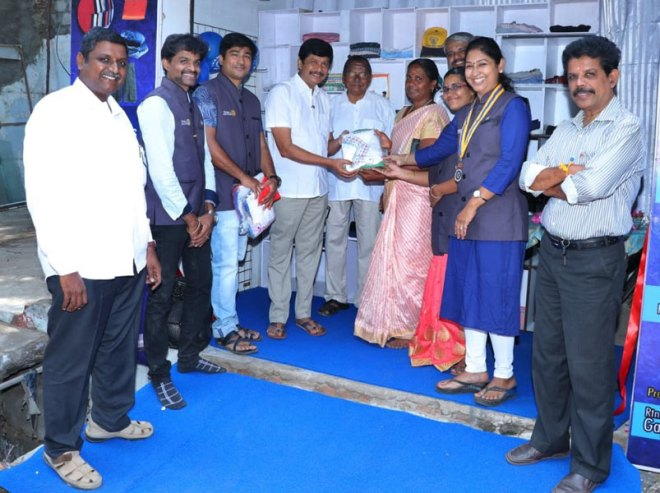PDG E K Sagadhevan (fourth from L) inaugurating the project in the presence of Club President Gayathri Devi. PDG P M Sivashankaran (behind) is also in the picture.