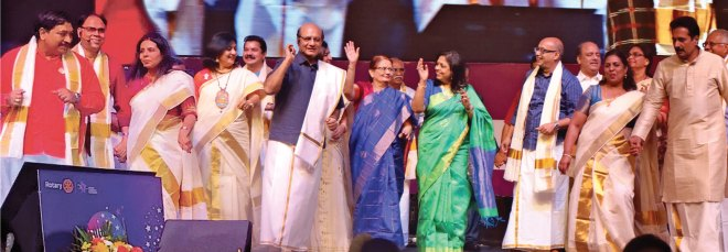Above: Sonal and RID Sanghvi, Madhavi, Rashi, RIPN Mehta, Sharmishtha and PRID Manoj Desai dance to a malayalam song to promote the Kochi Institute along with Institute Chair Sanjay Khemka, his wife Meenakshi and the Institute team.