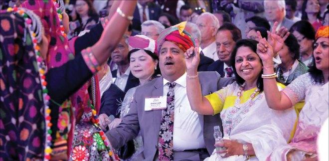 RIPN Shekhar Mehta and Rashi enjoying a dance at the HoF. Also seen Corinna Huang (L) and Sonal Sanghvi (R).