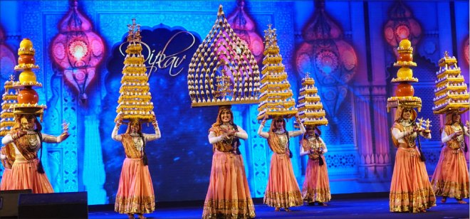 Cultural extravaganza by Bollywood fame Diplav Shah and troupe.