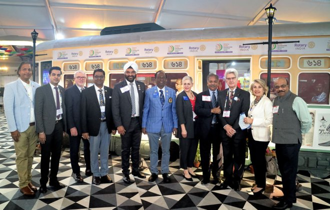 HoF Committee Co-chair PDG V Raja Seenivasan (centre) with RIDE Valerie Wafer, Summit Chair Vinod Bansal, RID Francesco Arezzo and other delegates.