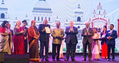From L: West Bengal Governor Jagdeep Dhankhar and his wife Sudeshi being felicitated at the summit in the presence of (from L) Rashi, Gay, RIPN Shekhar Mehta, RI President Mark Maloney, RID Kamal Sanghvi and DG Ajay Agarwal.