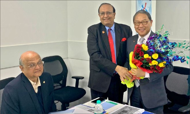 PRID and Chair of Rotary Foundation (India) PT Prabhakar received TRF Trustee Sangkoo Yun from Korea for the RFI meet held in Delhi recently. TRF Trustee Gulam Vahanvaty was also present at the meeting.n