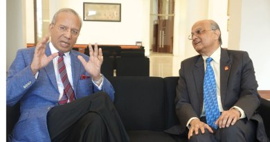 TRF Trustee Chair-elect KR Ravindran and Trustee Gulam Vahanvaty.