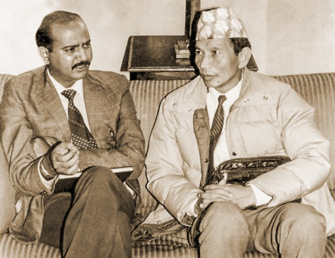 The writer with GNLF leader Subhash Ghisingh at a press conference post the Darjeeling Accord in Aug 1988.