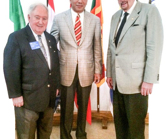 Frank Devlyn with past RI Presidents K R Ravindran (centre) and Luis Giay.