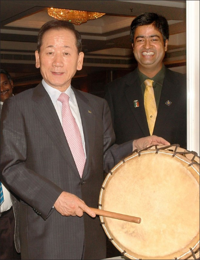 With PRID DK Lee during his visit to Chennai in 2007 as RI President elect.
